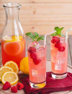 Raspberry arnold palmer drink